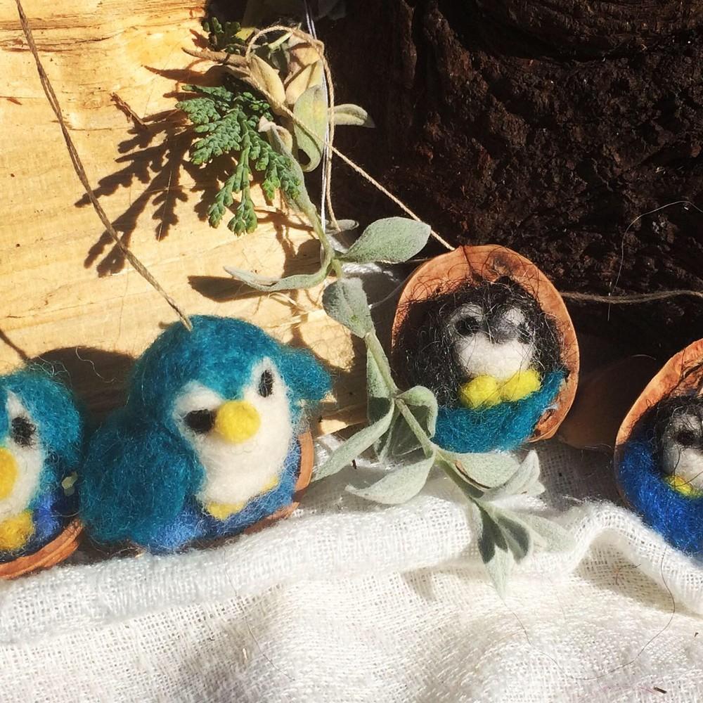 Pinguine in blau und grau