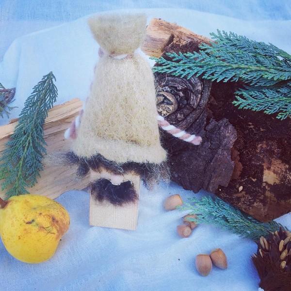 Thumbnail for Weihnachtswichtel Kahki